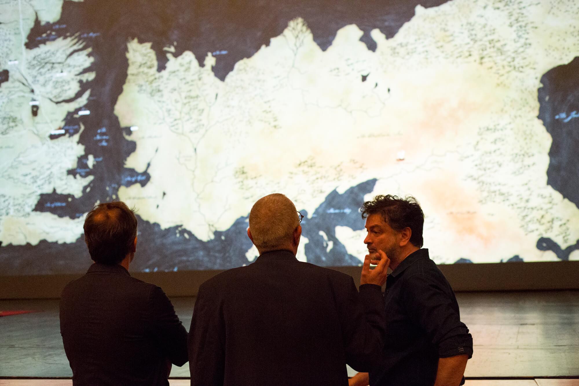 José Mateus, Paul Ghirardani e Manuel Graça Dias à conversa.