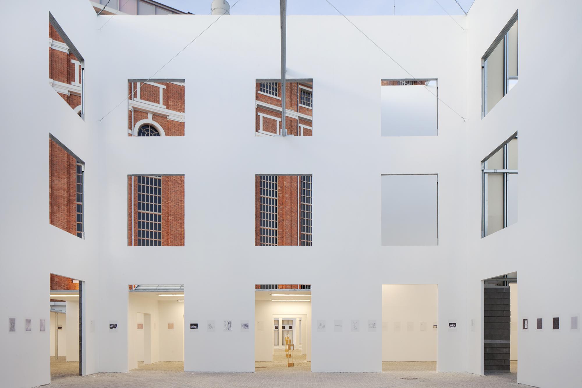 Exposição, A Forma da Forma, curadoria de Diogo Seixas Lopes, MAAT © Tiago Casanova
