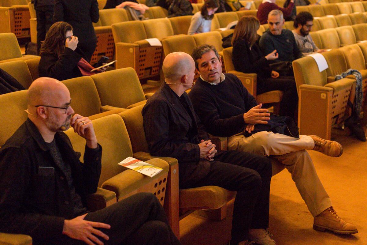 Bolle Tham à conversa com Luís Tavares antes do início da conferência