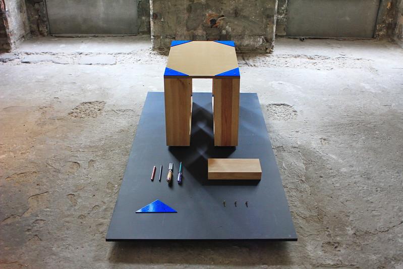 Imagem dos elementos a integrar no desenho expositivo de O Efeito Instituto no espaço descarnado do MUDE