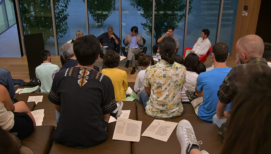 Conversa: A casa e o mundo, Programa Plus