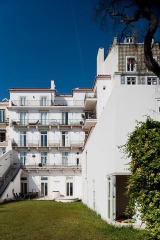 Fachada exterior da Casa na Rua de São Mamede